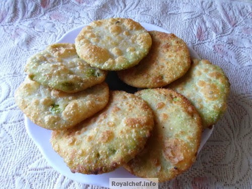 A Platefull of Delicious Mutter Puris