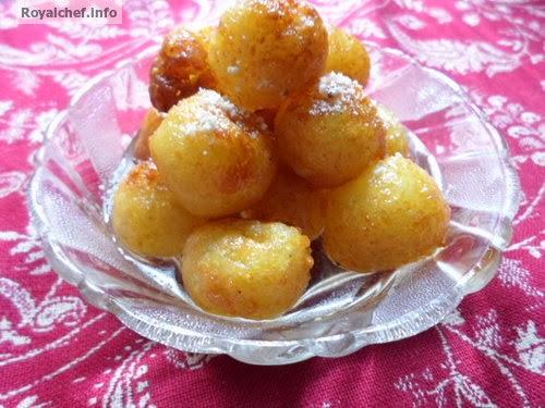 The famed Kashmiri sweet disk Paneer Kuubani