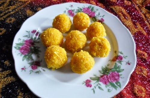 Recipe for Mango-Coconut Laddu 3