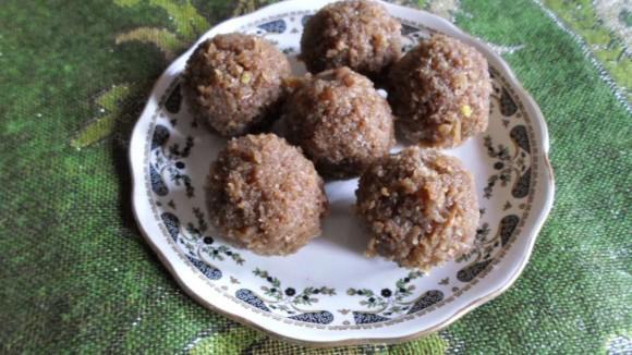 Recipe for Bournvita -Coconut Laddu 3