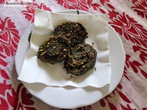 Traditional Maharashtrian dish of Alu Vadis or Patra