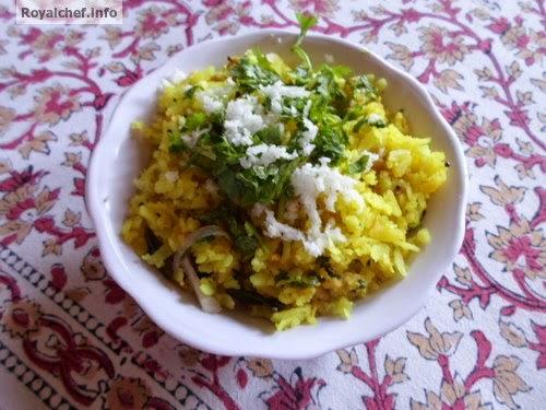 A unique Kheema Poha dish for breakfast