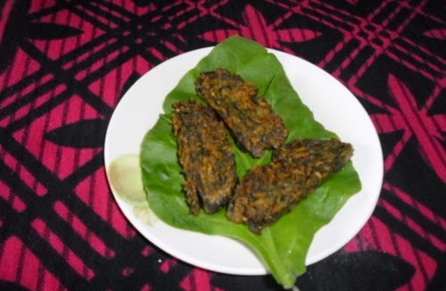 Crispy Spinach Vadi (पालक वडी) 1