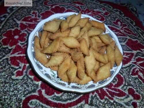 Popular Diwali Faral sweet Godi Shankarpali