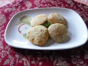 Dessicated Coconut Puri Recipe in Marathi