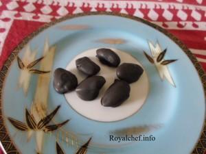 Homemade Dry Fruit Chocolate