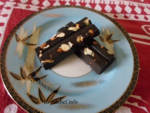 Homemade Fruit and Nut Chocolate