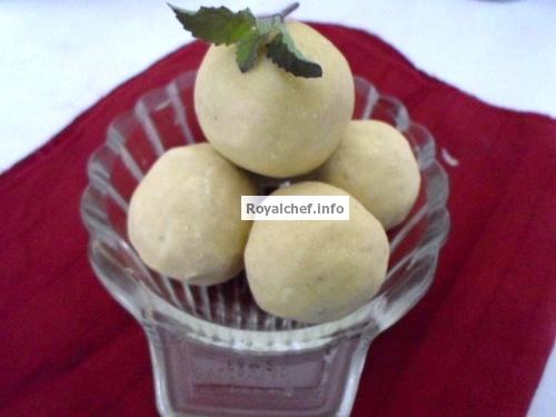 Gavachya Pithache Ladu