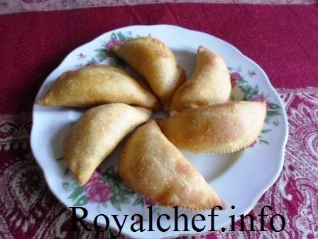 Chocolate Karanji for Diwali Faral
